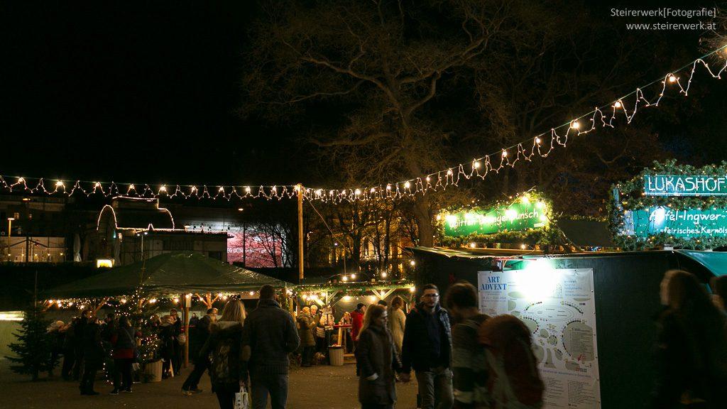 Weihnachts- und Kunsthandwerksmarkt Karlsplatz Wien