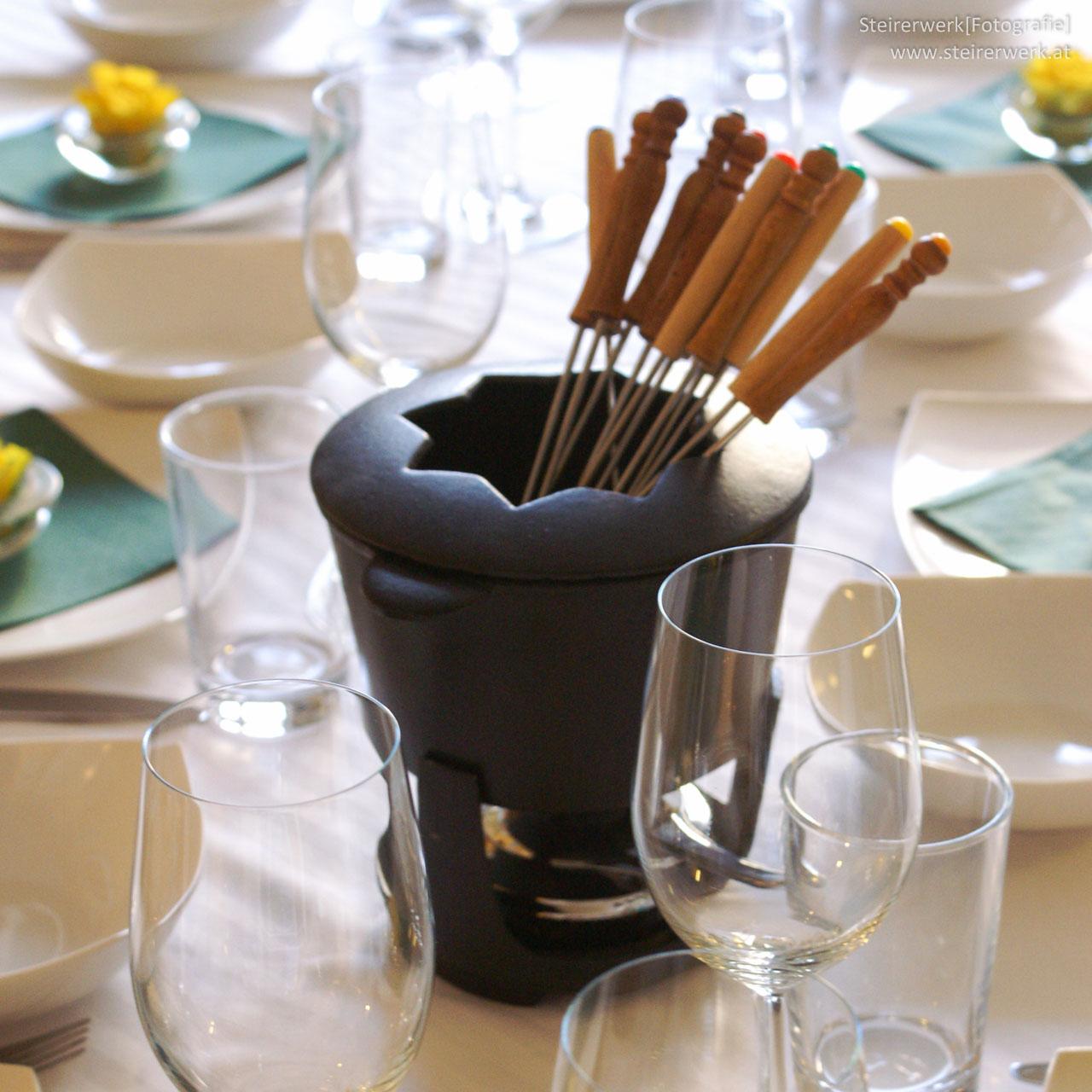 fondue raclette essen beliebt zu silvester zutaten rezepte. Black Bedroom Furniture Sets. Home Design Ideas